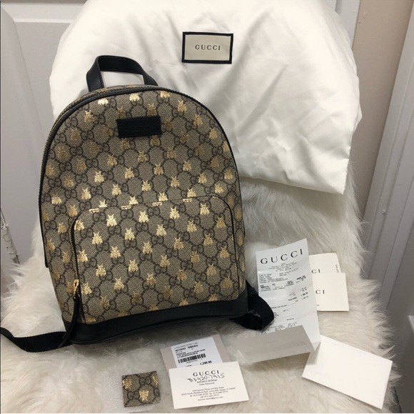 Gucci Handbags - Gucci GG Supreme Bees Backpack fd7cb59be9306